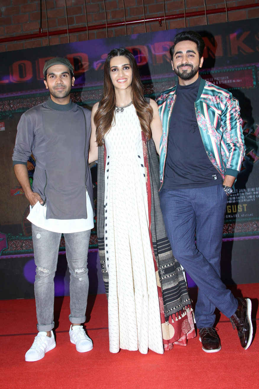 Kriti Sanon and Ayushmann Khurrana at Music Launch of 'Bareilly Ki Barfi' at Lord of the Drinks