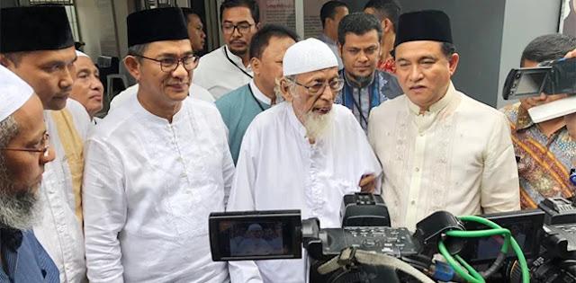 Dua Mesin Jokowi Bekerja, Pembebasan Ba'asyir Enggak Jelas