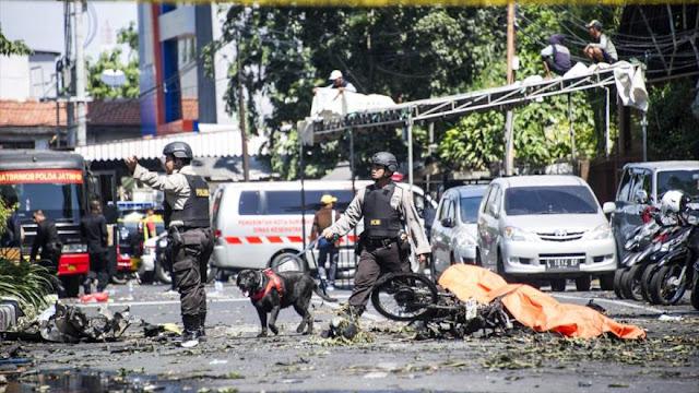 Atentado contra sede de la Policía en Indonesia deja 13 muertos