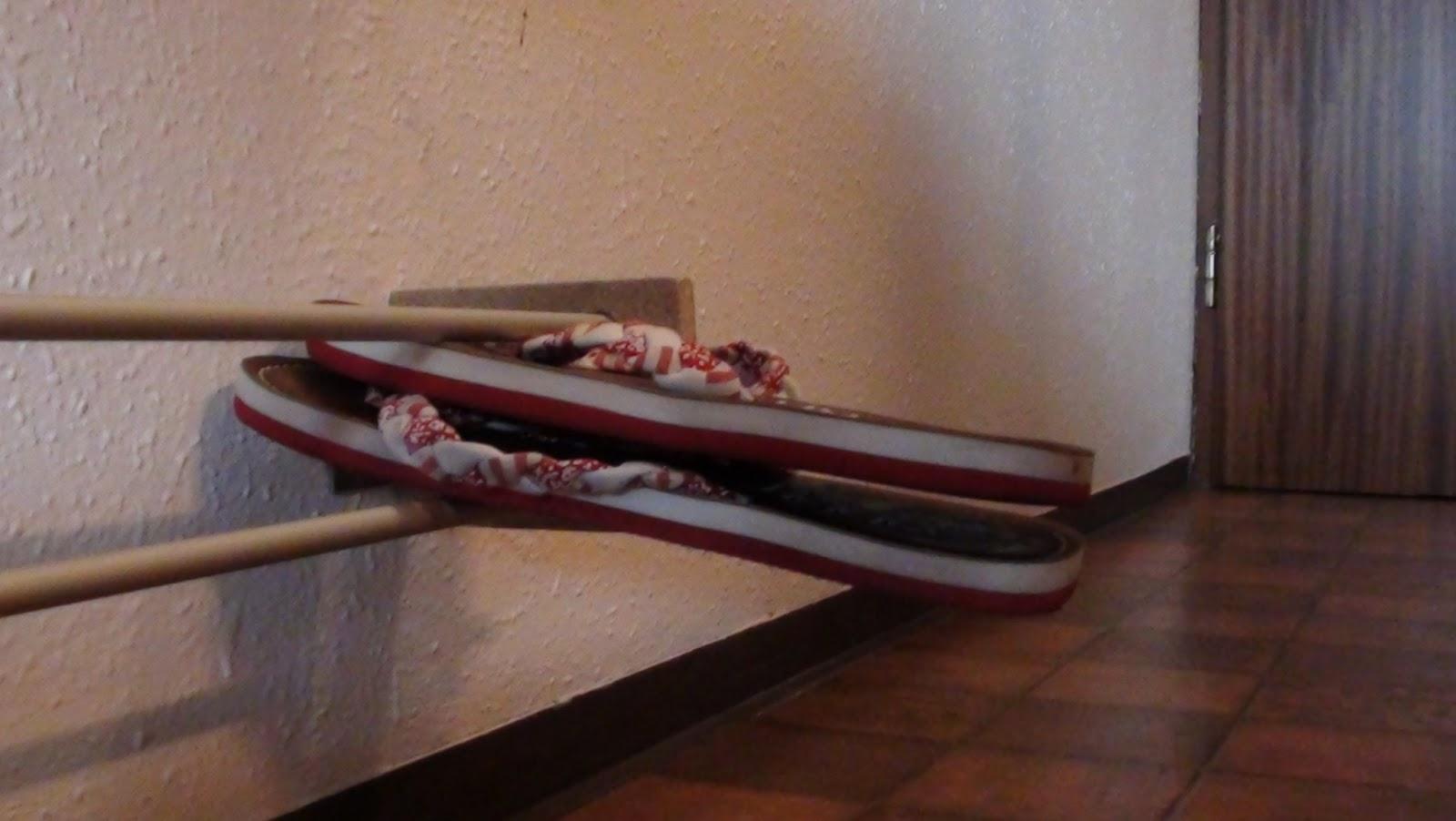 weekender diy schwebendes schuhregal unextraordineary. Black Bedroom Furniture Sets. Home Design Ideas