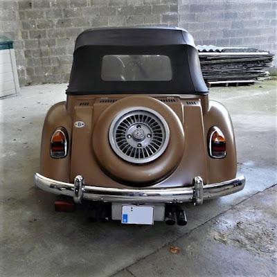Apesar da carroceria ter sido fabricada em 1978 com o modelo de 1979, as lanternas traseiras são típicas das versões utilizadas em 1974 e 1975.