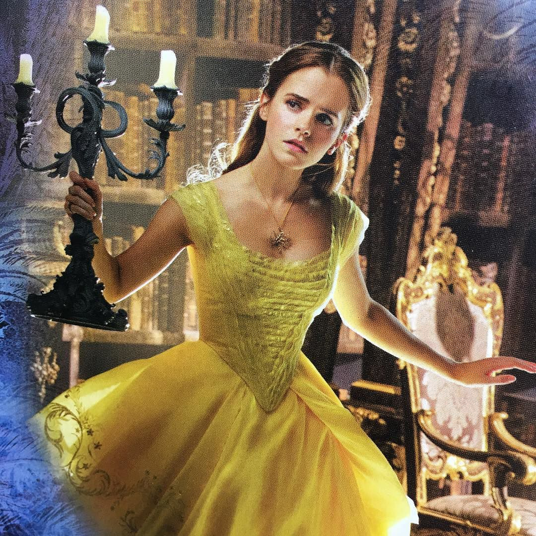 emma watson updates new picture of emma watson in belle 39 s yellow gown. Black Bedroom Furniture Sets. Home Design Ideas