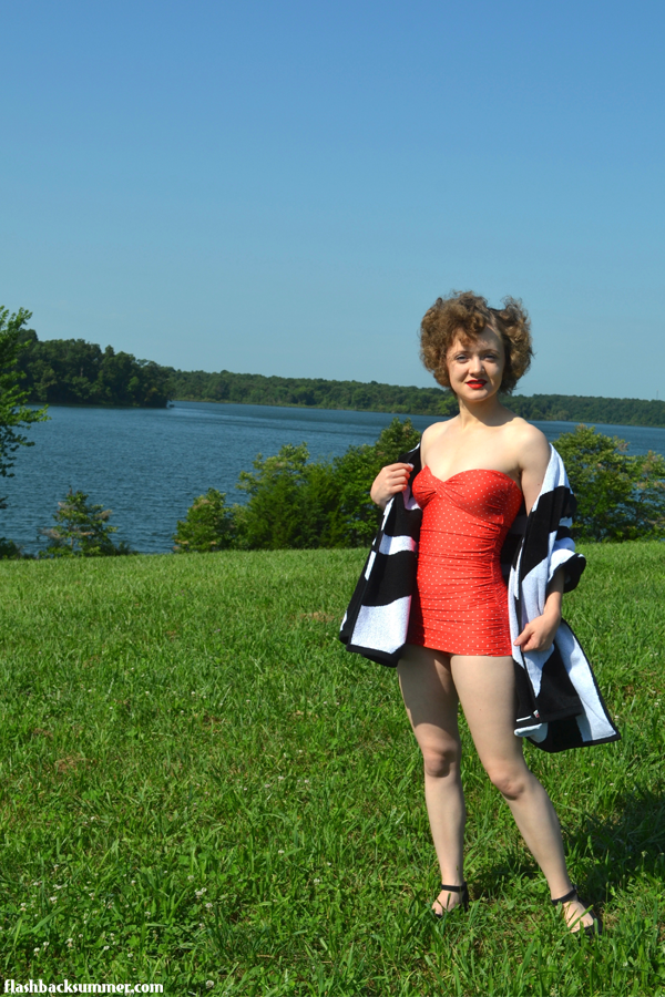 Flashback Summer: vintage swimsuit fashion, Temple Towels