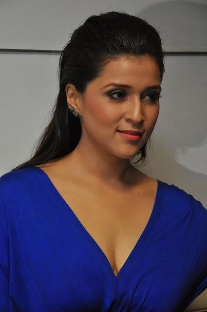 Mannara Chopra Photos at Rogue Movie Trailer Launch