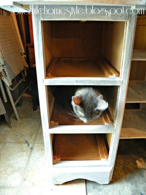 Vintage desk makeover - Cat assistant
