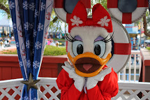 December 15 2013 - Meeting Holiday Daisy Duck & Santa Duffy