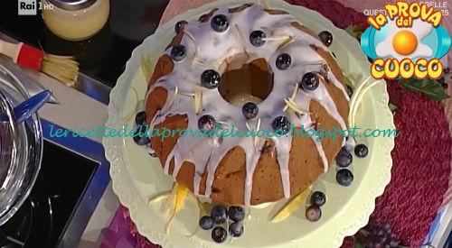 Ciambellone morbido ai frutti rossi e blu ricetta Cattelani da Prova del Cuoco