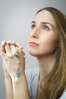 Atheisten leben im Durchschnitt gefährlicher und kürzer