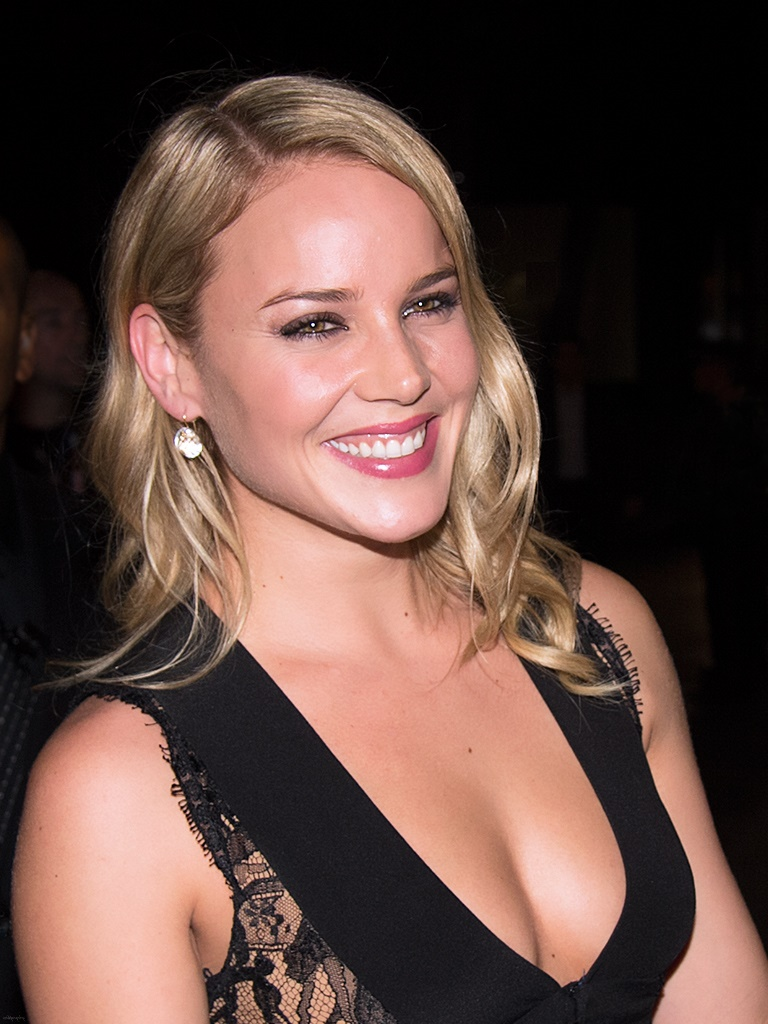 Tradecraft: Abbie Cornish is Jack Ryan's Latest Wife Abbie Cornish