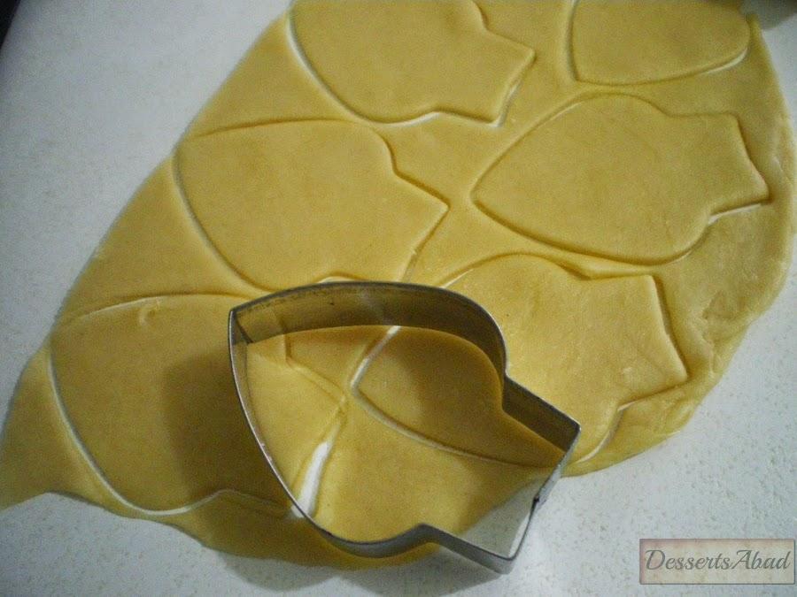 Alcachofas en sorpresa (cortando pétalos de masa)