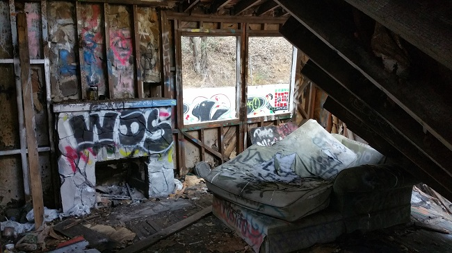 Abandoned Canned Heat House in Topanga Canyon, Los Angeles