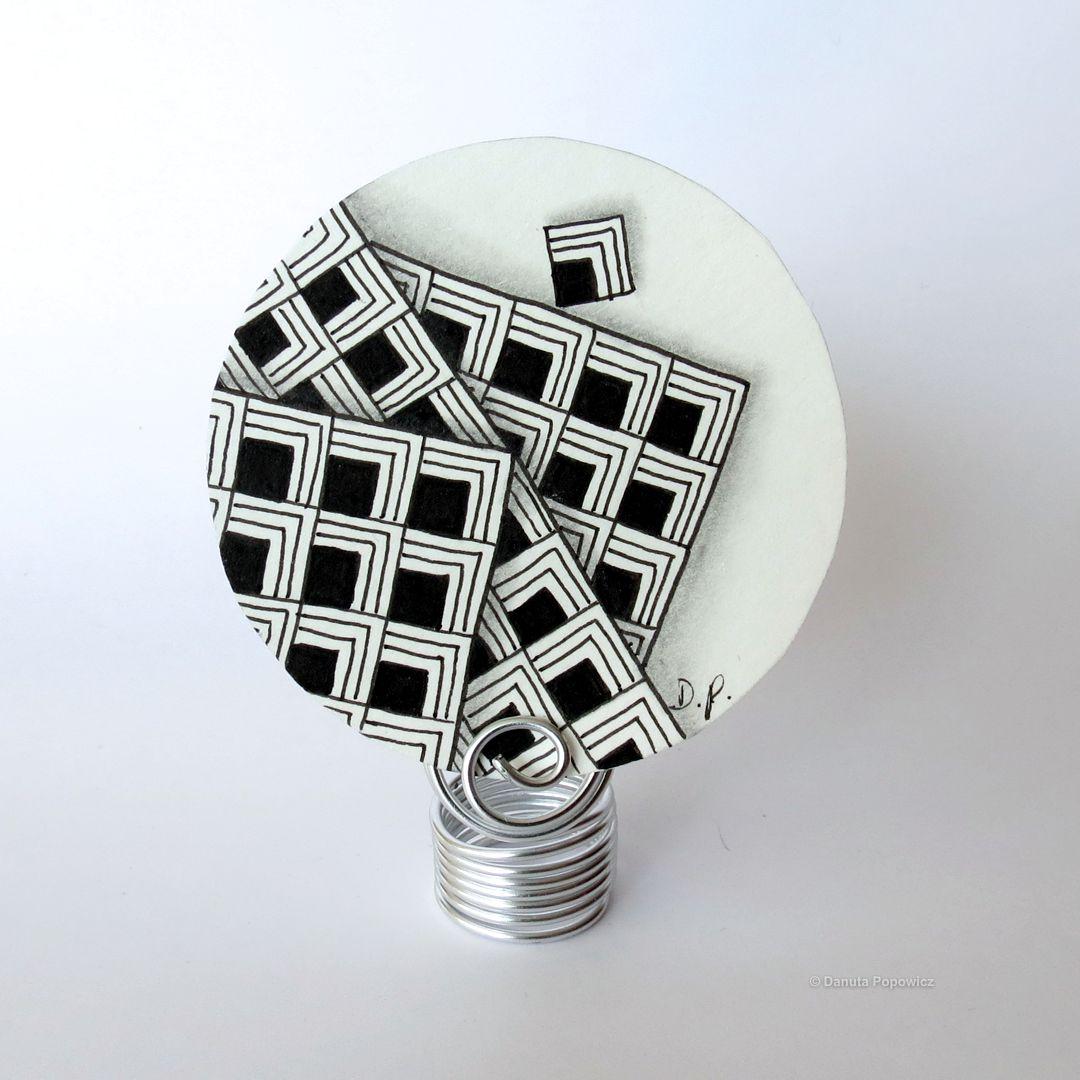 przykład Zentangle z wykorzystaniem wzoru Flukes