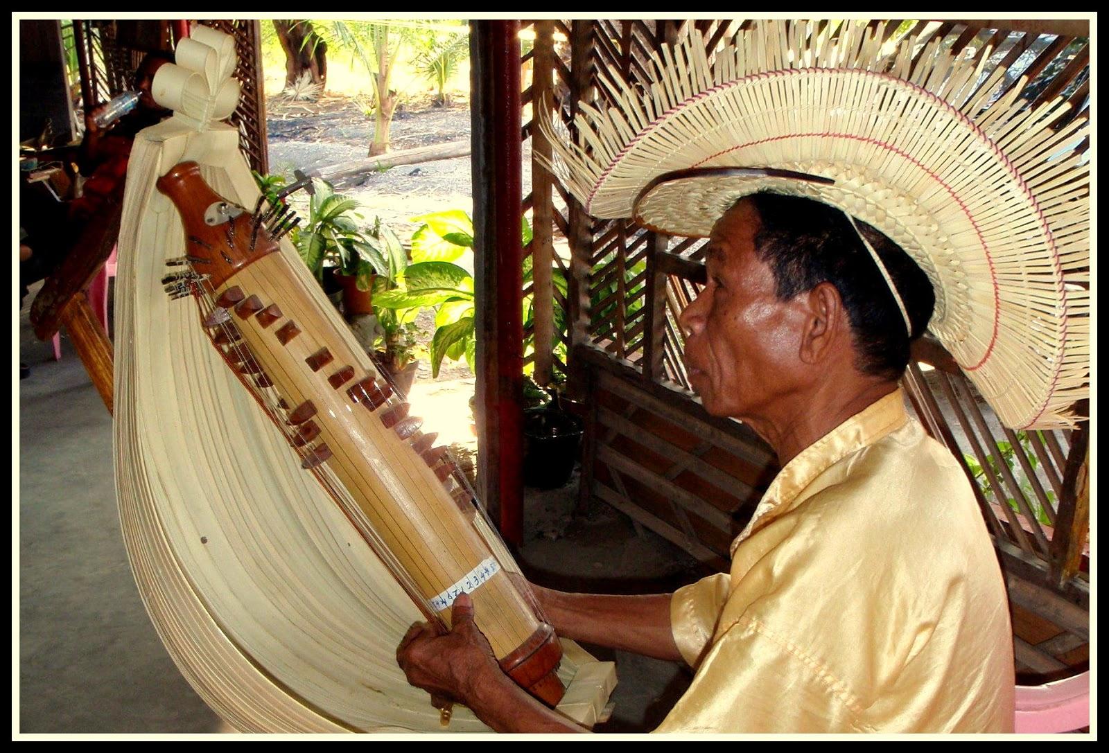 4 Alat Musik Tradisional Indonesia