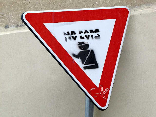 No cops on a traffic sign, Livorno