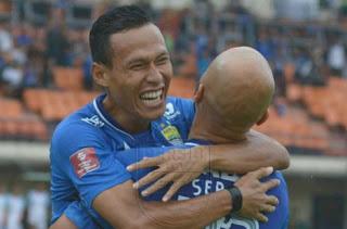 Persib Bandung Hajar Perseru Serui 6-2