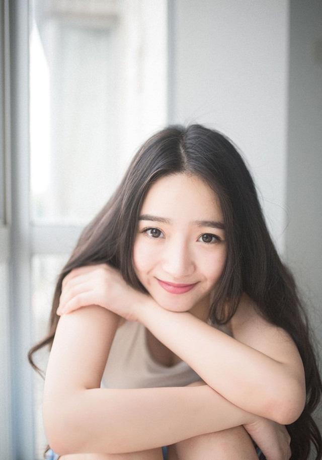 Elaine Beautiful girl of Beijing Normal University