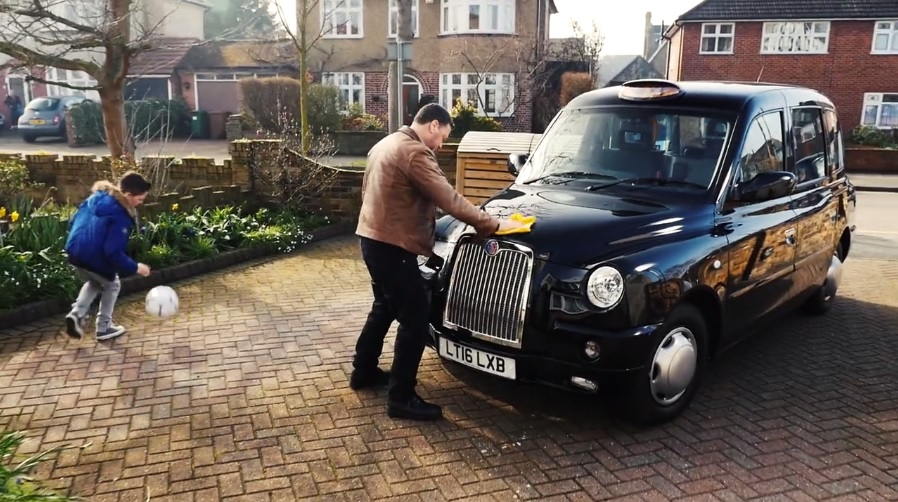 "The London Taxi Company ""Back To Black"" Stay Fare Mayor Advert is Awesome"