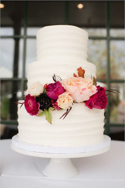wedding cake with no cake topper