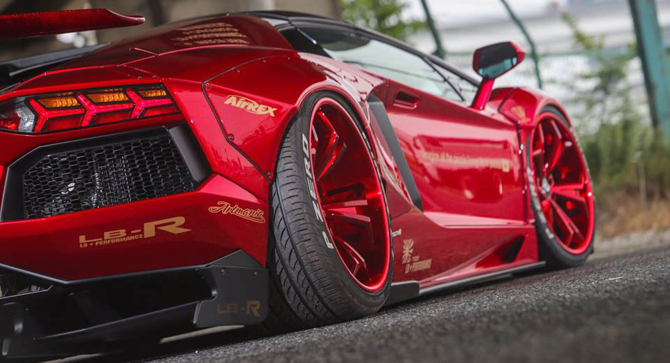 Liberty Walk Lamborghini Aventador Roadster Sees Red Everywhere