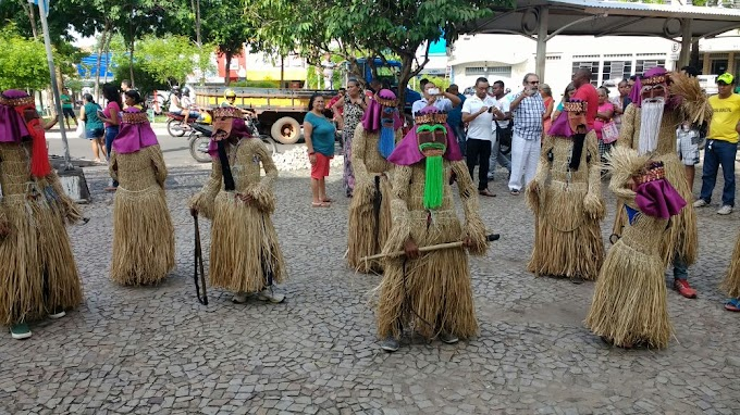 CULTURA: Tradição de reisado é mantida em Caxias