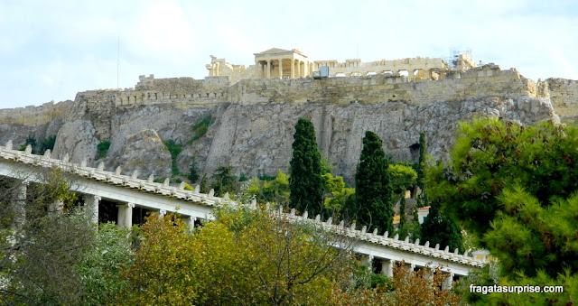 A Acrópole de Atenas vista da Ágora Antiga