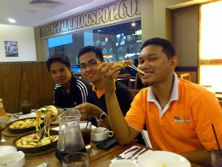 pizza hut, faiz, pha is, chese pizza