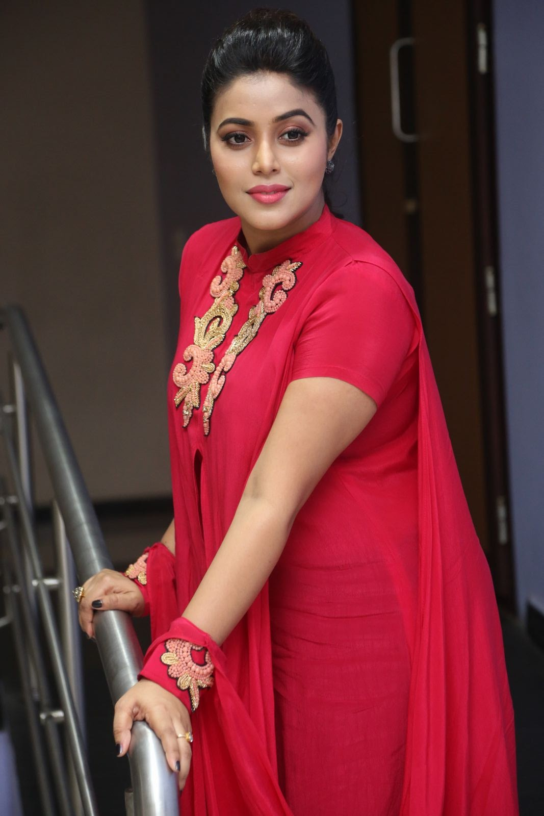 Actress Poorna Latest Sizzling Photos Gallery