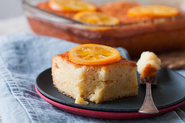 Grčki zaliveni kolač sa pomorandžom i korama za pitu