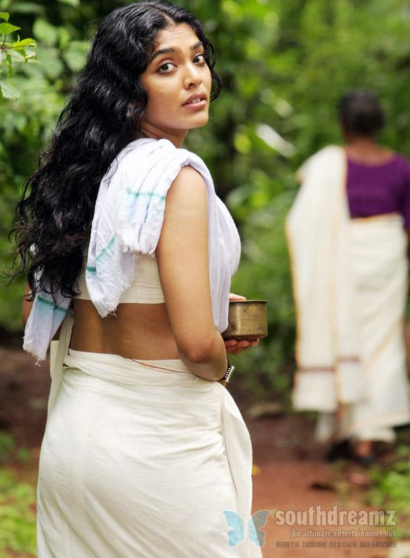 Indian Pure Desi Actress New And Latest Photos Unseen Desi Indian Models New And Fresh Photos Rima Kallingla New And Hot Photos Of The Kollywood Indian