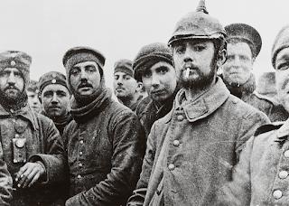 Tregua de Navidad 1914, soldados alemanes y británicos en Ypres