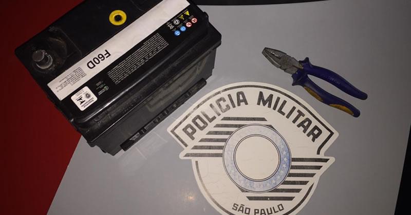 Homem é preso em flagrante após furtar bateria de veículo em Espírito Santo do Pinhal