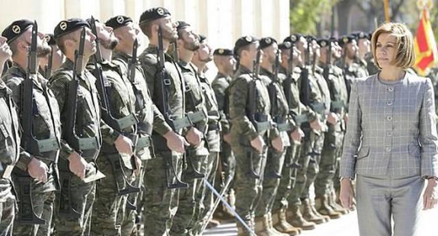 Cospedal se gasta 421.000 euros en simular un barrio árabe con mezquita para ejercicios militares