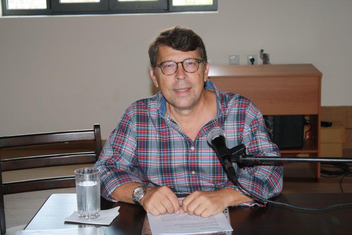 Ο Πάνος Σάπκας και απαντάει Βιβή Τσεκούρα απαντάνε στην αντιπολίτευση για την επιλογή καλλιτεχνικού διευθυντή του «Θεσσαλικού Θεάτρου»