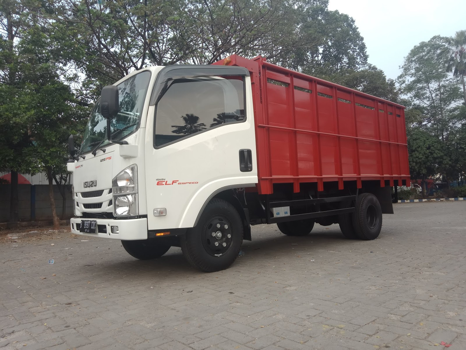 Kekurangan Isuzu Nmr 71 Review