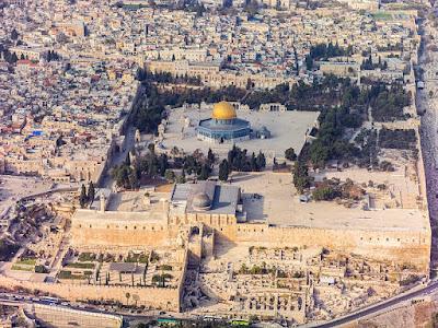 VIsta aérea con la mezquita de la Roca en el centro