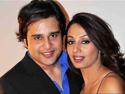 Kashmira Shah Family Husband Son Daughter Father Mother Age Height Biography Profile Wedding Photos