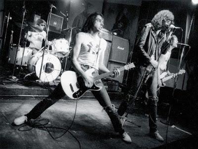 Sejarah Perkembangan Musik Punk Dunia