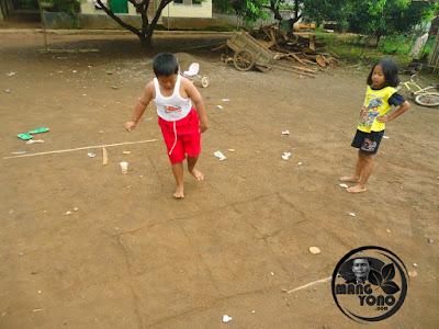 Permainan Anak Sunda Emprak