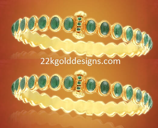 Traditional Emerald Bangle