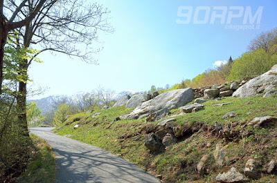 Salita in vetta da Ornavasso, panorama montano.