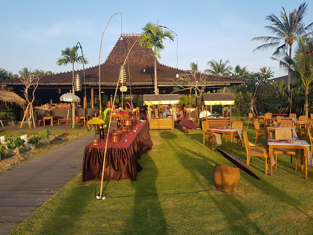Alaya Ubud resort-Bali-cena tipica balinese