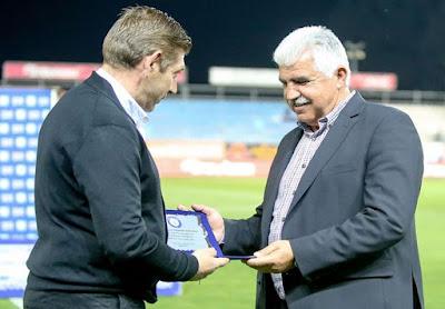 Ο Ηρακλής τίμησε τον Γιώργο Παράσχο για την προσφορά του στο Ελληνικό ποδόσφαιρο
