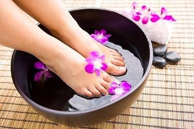 How to get rid of the smell of sweat and sweating feet