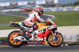 Marquez Pole Position MotoGP Australia, Rossi ke-15