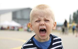 5 ατάκες που πρέπει να λέτε στο παιδί όταν ξεσπάει
