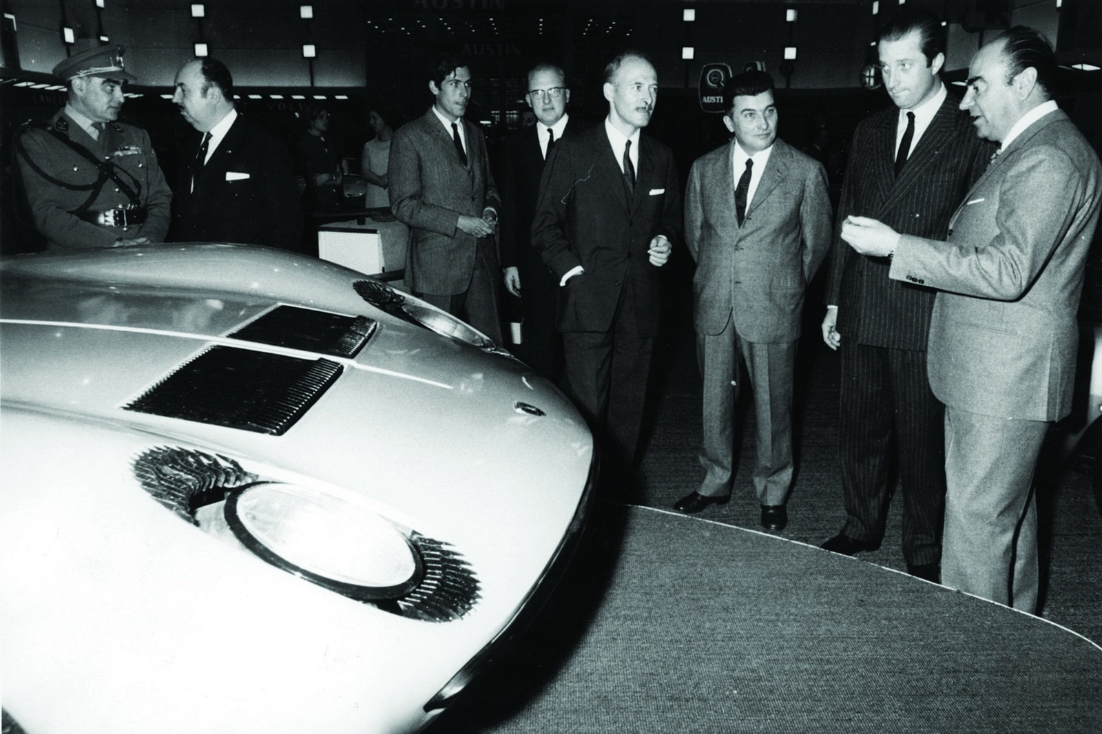 Antonio Banderas And Alec Baldwin To Play Lamborghini And