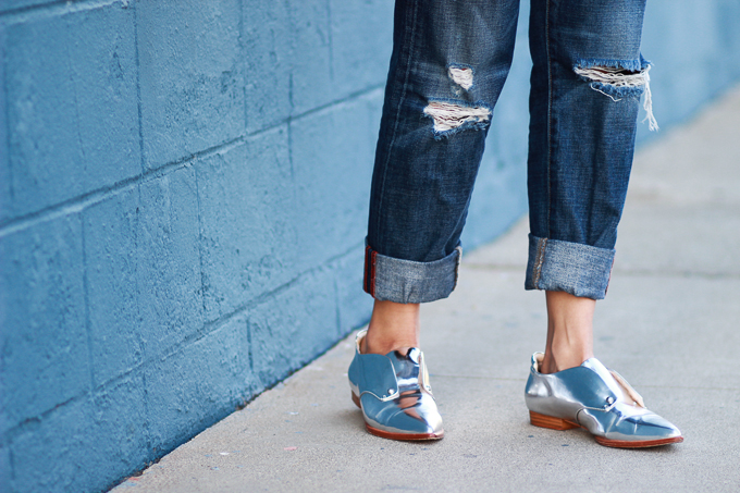 Styling silver metallic shoes