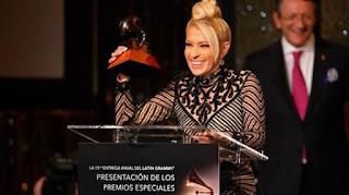 Yuri y Napoleón reciben el Latin Grammy a la Excelencia Musical