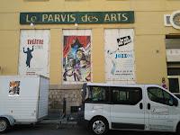 """Notre """"attelage"""" devant le Parvis des Arts"""