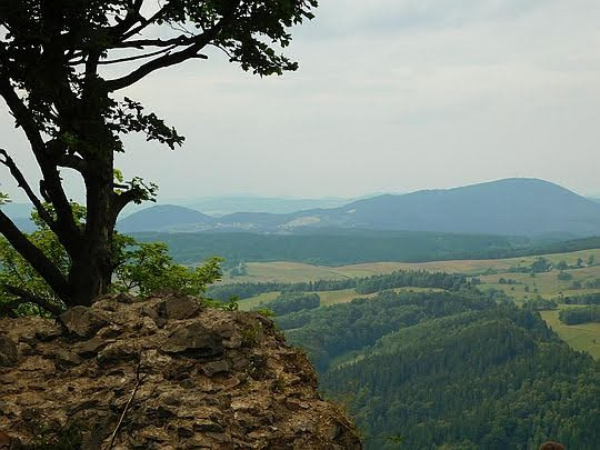 Widok z Rogowca na Góry Wałbrzyskie.